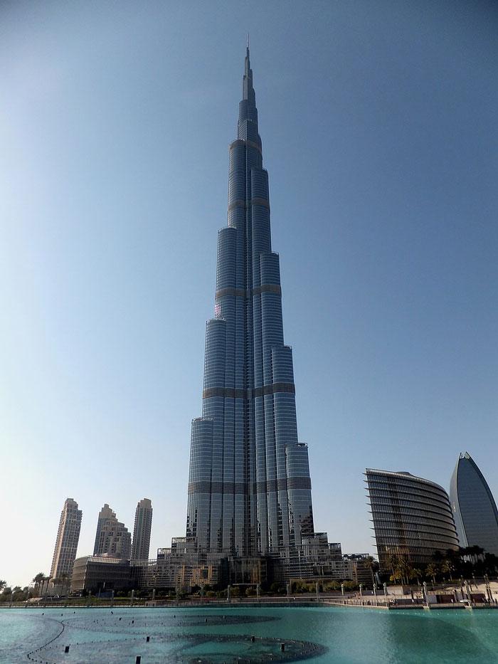 най-високата сграда в света Бурдж Халифа