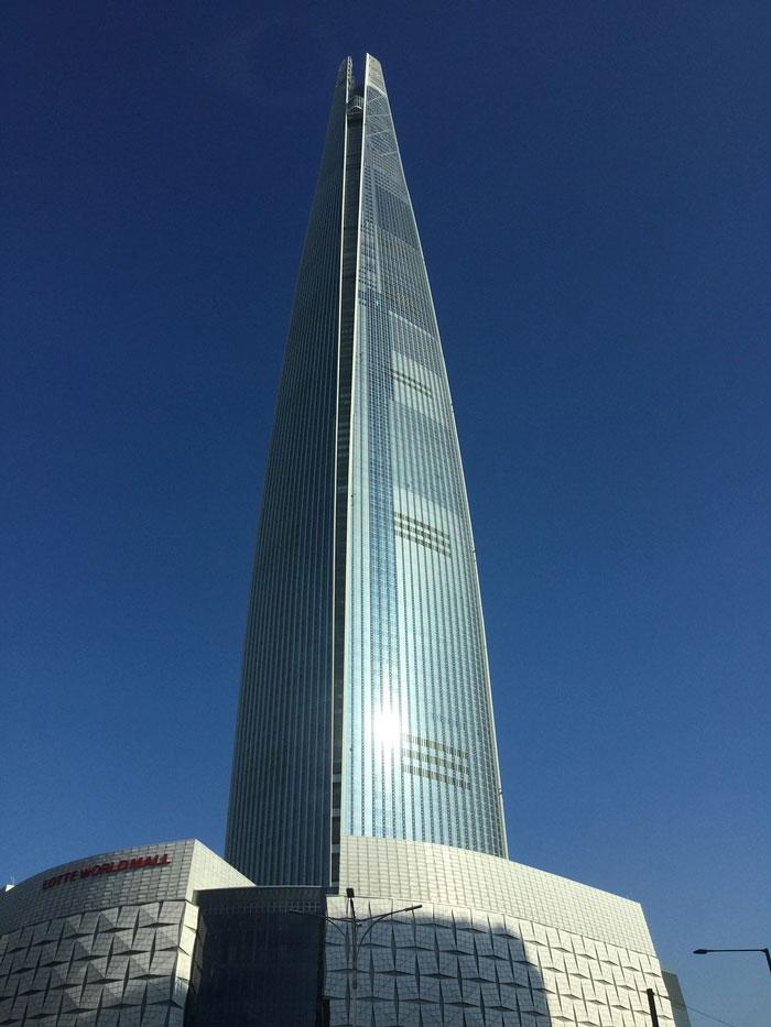 най-високата сграда в света 5 -Кула Лотте Свят