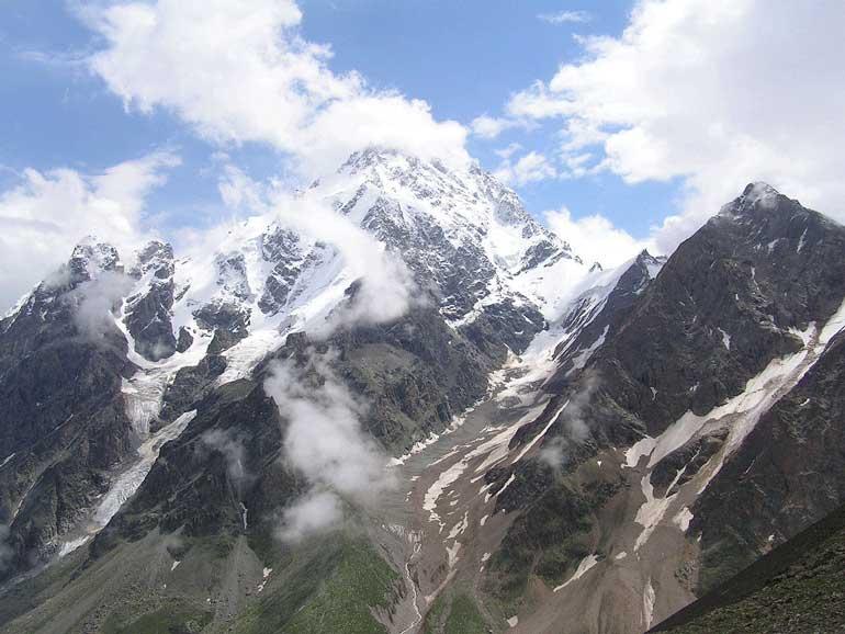Дих-Тау, вторият най-висок връх в Европа