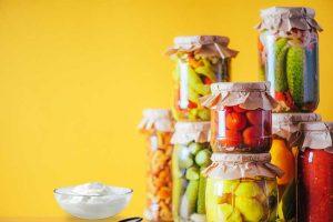 Българските суперхрани - кисели краставички и кисело мляко