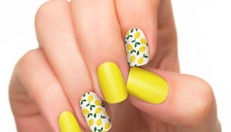 маникюр в жълто и лимони