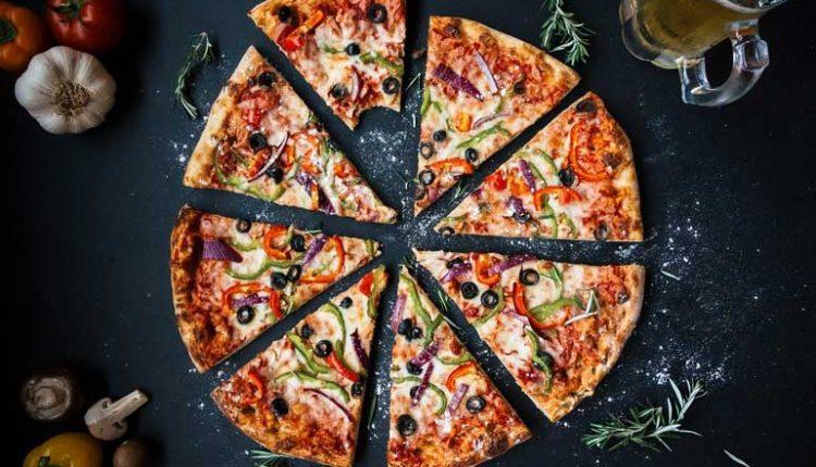 на колко градуса се пече пица