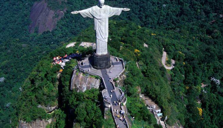 Статуята на Христос Спасителя