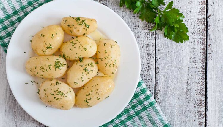колко време се варят картофи