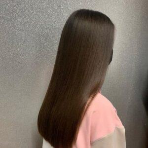 прическа за права дълга коса
