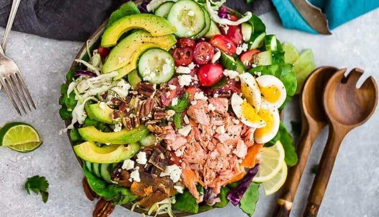 здравословни идеи за вечеря с Кето салата със сьомга